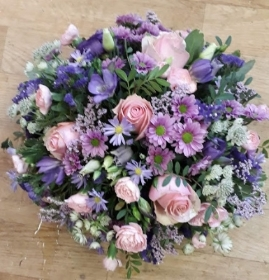 pink and lilac posy arrangement